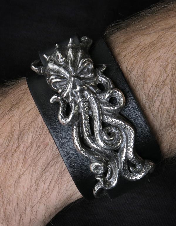 Alchemy Gothic Cthulhu Rising Bracelet