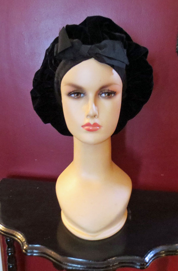 Vintage 1950s 1960s Black Velvet Hat with Big Bow