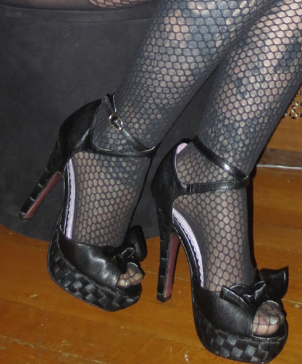 Sexy PinUp Black Peep Toe Bow 5 inch Heels 6