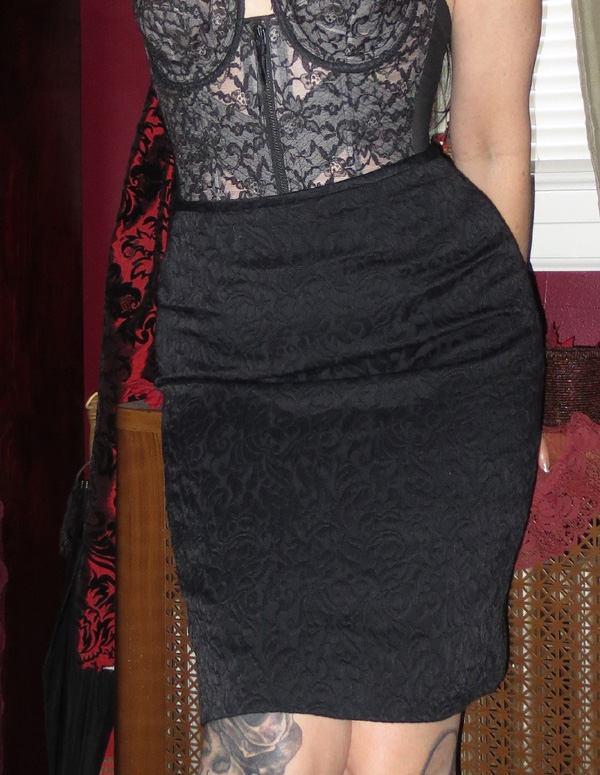 Figure Hugging Black Jacquard Fitted Pencil Skirt 6