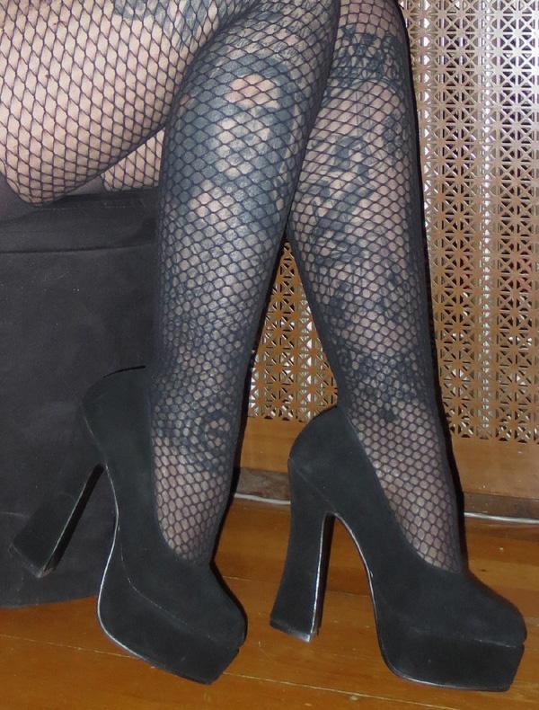 Black Genuine Suede 5 Inch Platform Heels Size 6
