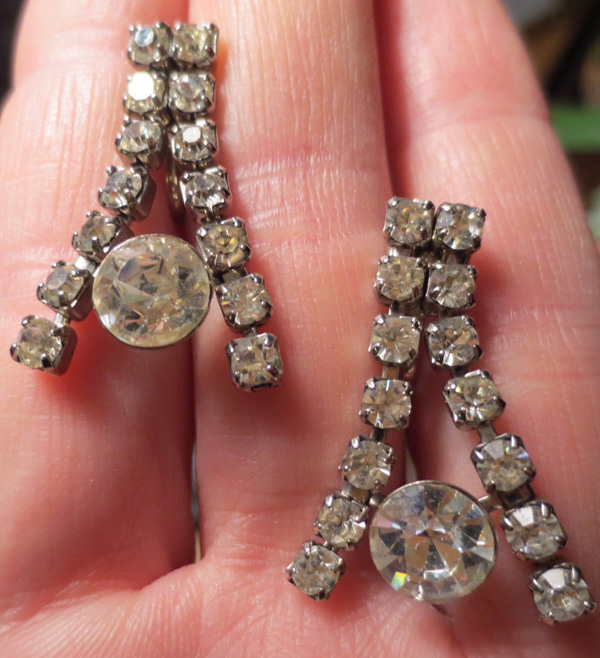 Vintage Pin Up 1950s Rhinestone Screwback Dangle Earrings