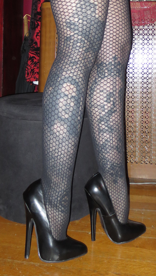 Fetish 6 inch stilettos comment
