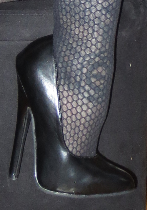 Fetish 6 Inch Black Leather Pump Stiletto Heels Size 6