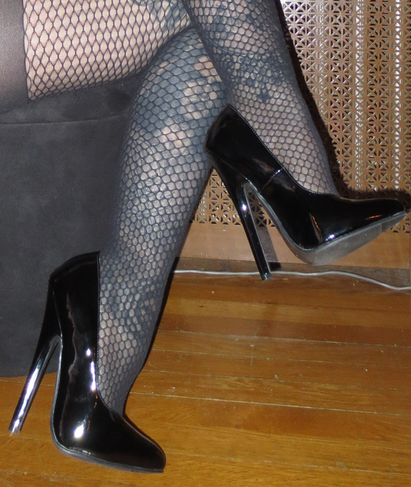 Fetish 6 Inch Black Patent Pump Stiletto Heels Size 6