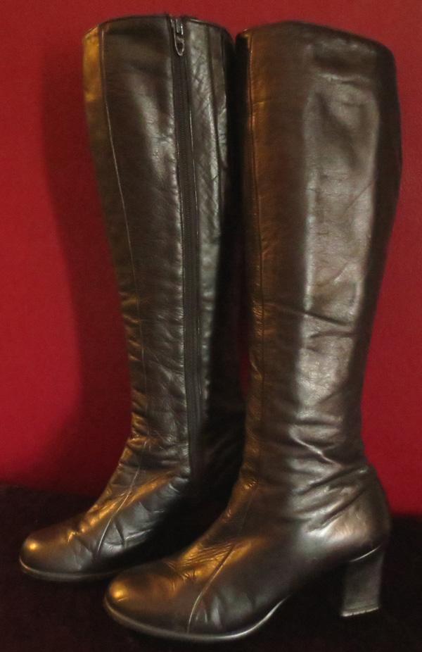 vintage knee high black leather high heel go go boots 6