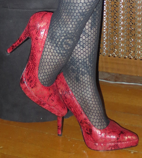 Red Reptile Skin Stiletto Pointy Heels Pumps Size 6