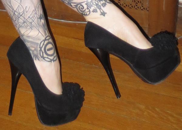 Sexy PinUp Black Velvet Platform Pom Pom 5 inch Heels 6.5