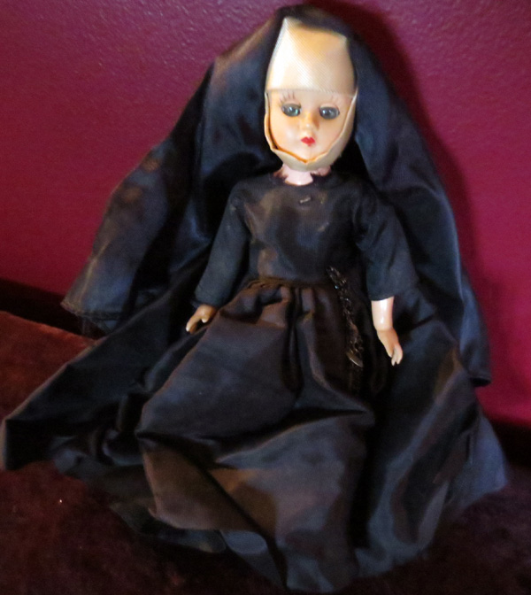 Vintage 1950s Nun Doll with Closing Eyes and Rosary