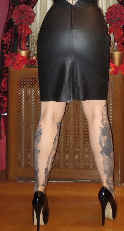 Pencil Skirt Fetish 101