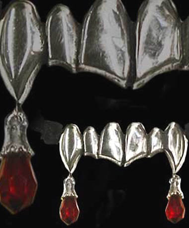 Alchemy Gothic Vampretta Bloody Fangs Pendant