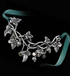 Alchemy Gothic Posion Ivy Skull and Leaves Choker