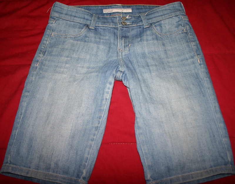 Old Navy Ladies Stretch Mid Rise Denim Jean Shorts Size 2
