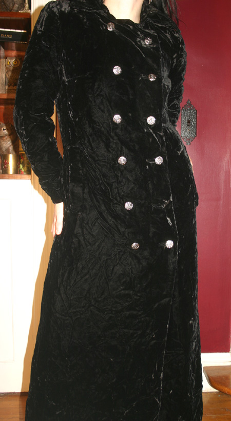 Vintage Long Black Velvet Witchy Gothic Opera Coat M/L