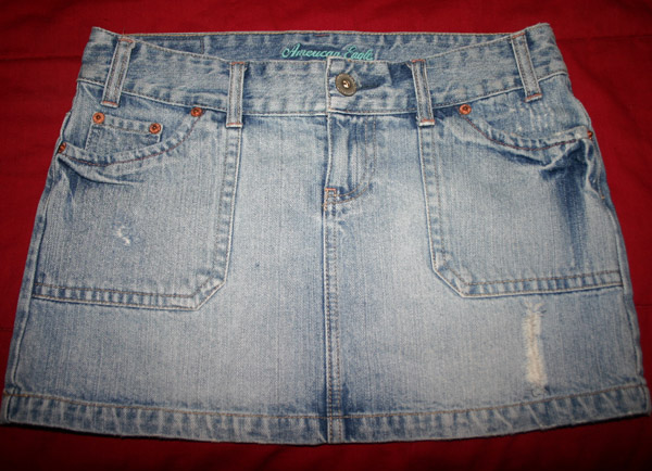 American Eagle Destroyed Denim Jean Mini Skirt Size 4