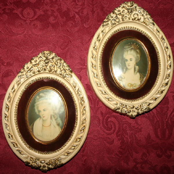 Vintage Renaissance Ladies Velvet Oval Wall Hangings