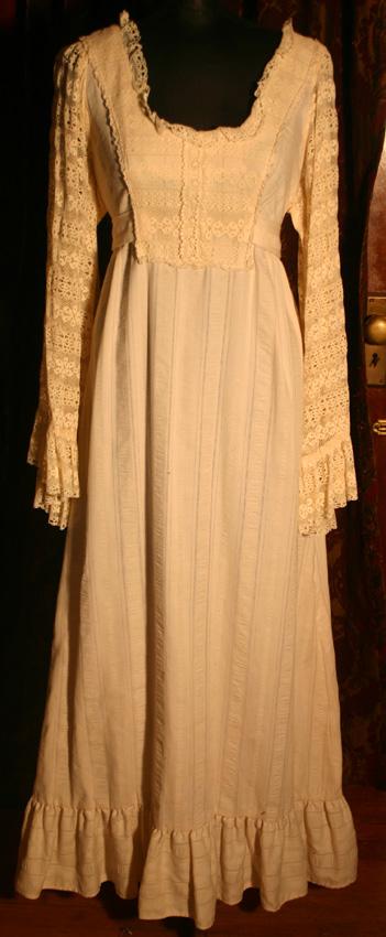 Vintage 1970s Ivory Renaissance Wedding Prairie Gown