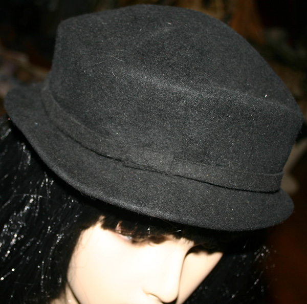 Vintage 1940s Eva Mae Ladies Black Wool Tilt Hat