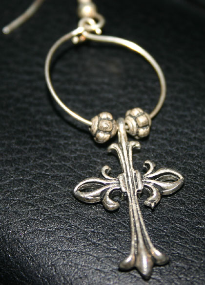Vintage Single Silvertone Gothic Cross Earring Unisex