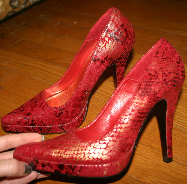 Red Reptile Skin Stiletto Heels Pumps Size 6