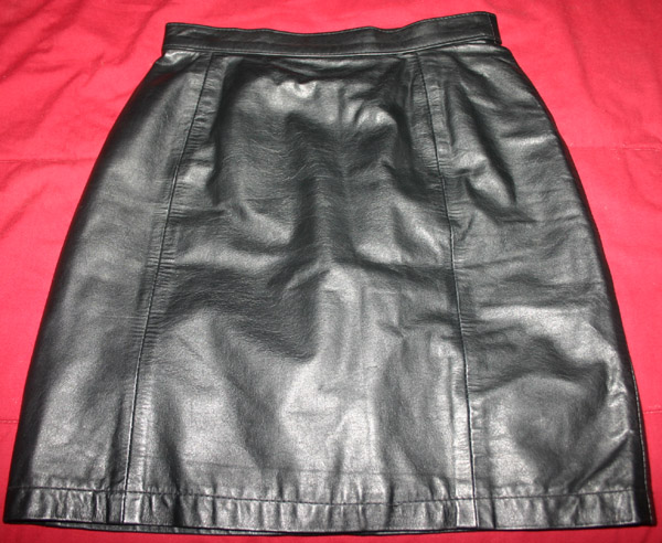 1980s Vintage Black Leather Fetish Pencil Skirt 25 Waist