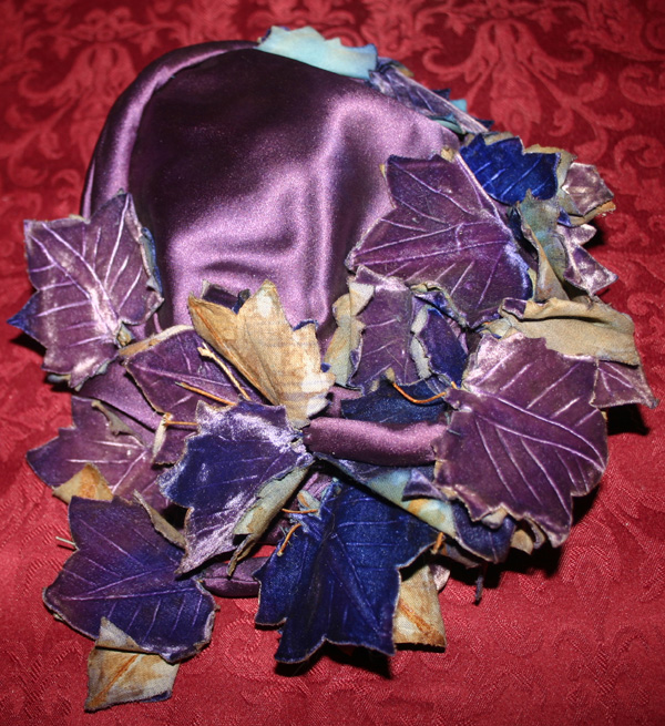 Vintage 1920s 30s 40s Purple Velvet Leaves Hat