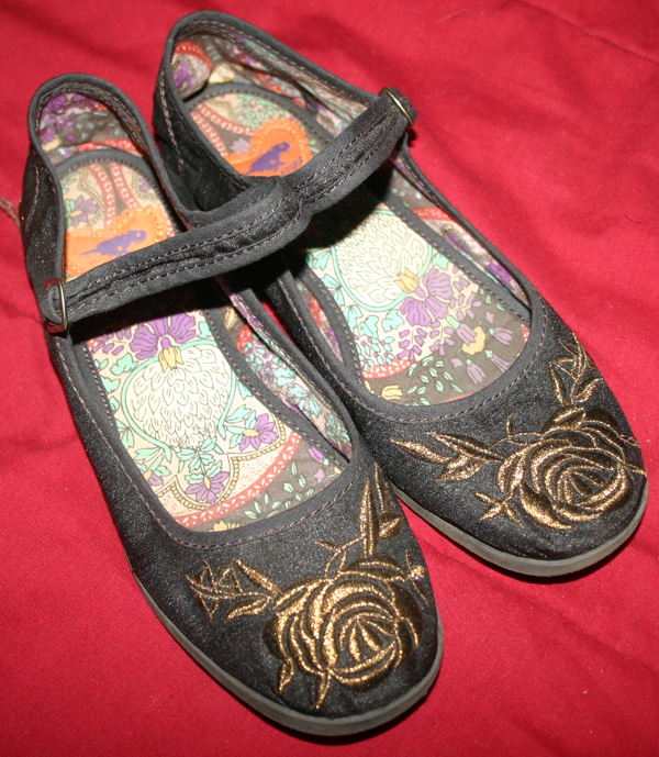 Rocket Dog Black Rose Flat Mary Jane Shoes 6.5