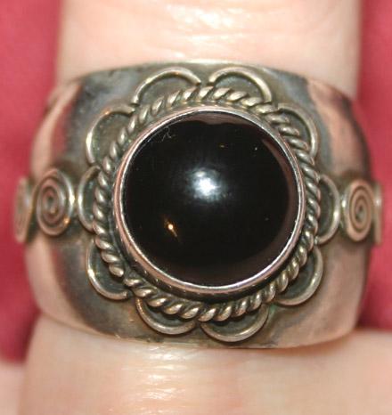 Vintage Sterling Silver Bali Black Onyx Ring Sz 7
