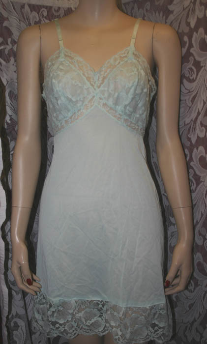 Vintage Vanity Fair Mint Green Full Lingerie Slip 32