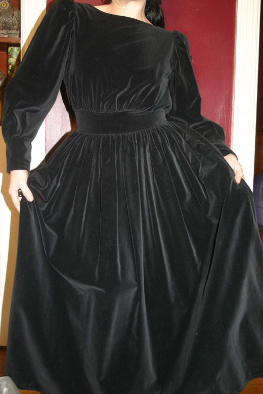 Vintage Gothic Black Quality Velvet Long Bow Dress Small