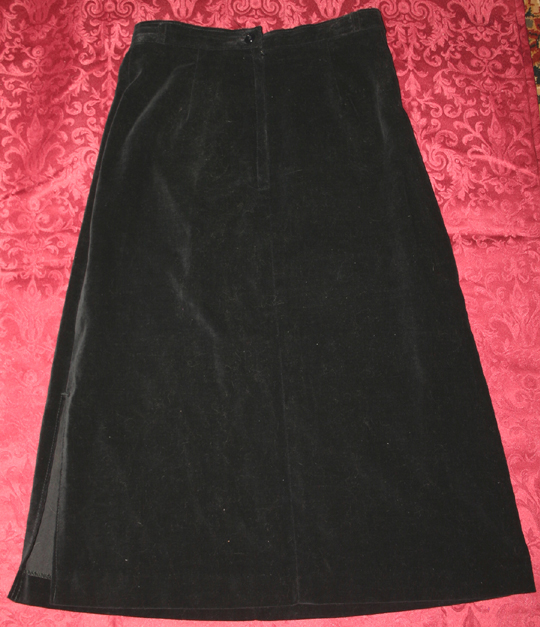 Vintage 1960s Gothic Black Velvet Pencil Skirt Small