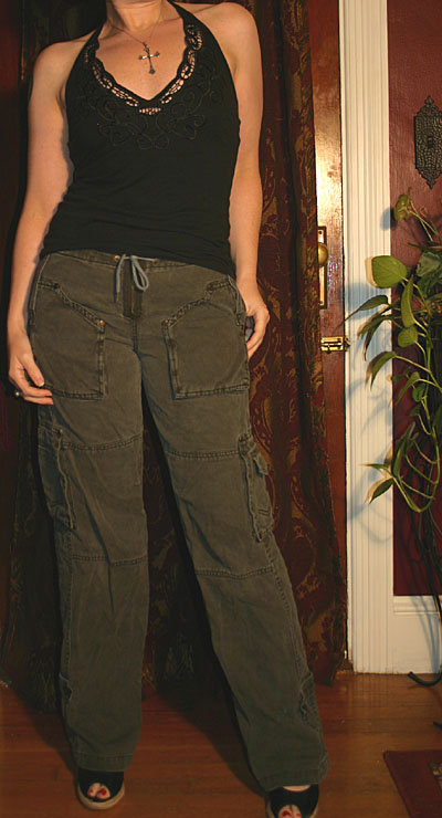 Dollhouse Army Green Juniors Cargo Pants 3/4