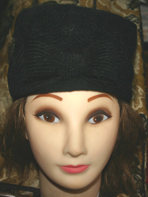 NOS Vintage 1950s Jennie Rand Black Wool Tilt Hat Bow